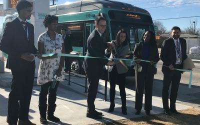 Dignitaries cutting the ribbon for Aero BRT